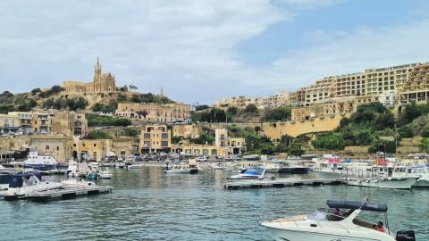 De bevolking, de taal, religie en de politiek van Malta
