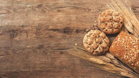 Verse broodjes bij bakkerij Otten