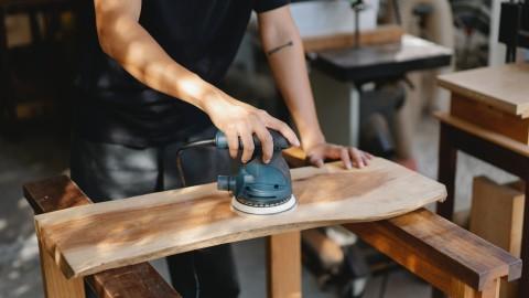 Hergebruik oud hout Minder nieuw hout nodig met hergebruik.