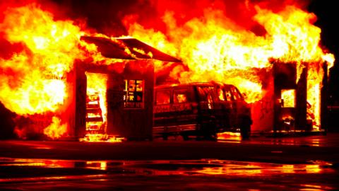 Brandweer al drie nachten in touw