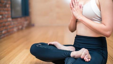 Yoga les op steeds meer basisscholen